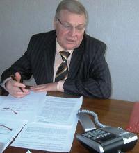 Пётр Васильевич Валов отвечает на вопросы Горячей линии