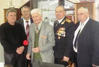 На фото – слева направо: Дмитрий Иванов, Федор Жуков, Николай Титов, Александр Петров и Владимир Похидняк.