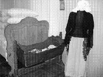 Ценный музейный экспонат – детская колыбель XIX века из села Шталь-ам-Караман (нынешняя Звонаревка).