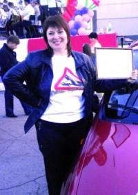 Первая Авто-леди Маркса Екатерина Иванова получила нужный подарок для любого автомобилиста.