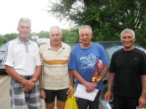 Участники гонки на лыжероллерах