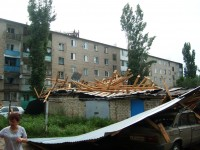 Крыша, слетевшая с дома