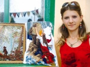 Татьяна Городкова со своими работами