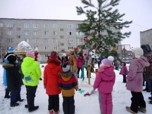 Новогодние праздники в городских дворах
