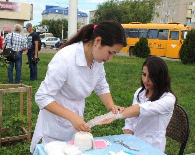 Открытие экспозиции молодёжной доски почёта