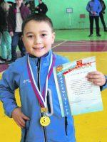 Арман Байзульдинов, ученик школы № 4, 2 класс