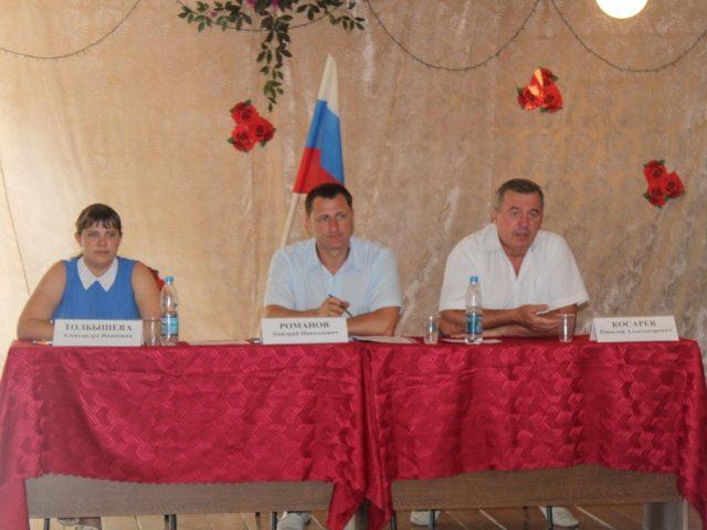 Дмитрий Романов пообщался с жителями Полековского