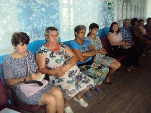 Глава района обсудил актуальные проблемы с жителями Бородаевки