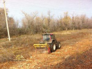 Около 4,4 километра дорог Фурманова очистили от диких кустарников