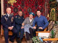 Фронтовику десантнику Ахие Рязяпову 94 года