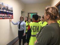 Полицейские пригласили на экскурсию юных инспекторов дорожного движения