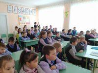 Законность действий подростков обсудили в школах Семеновки и Колоса
