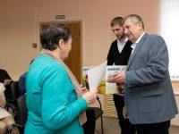Три пенсионерки получили призы от Газпрома за «Новый год без долгов»