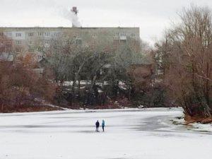 Все внимание опасности тонкого льда