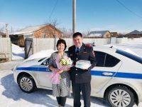 Марксовская полиция поздравила женщин с 8 Марта