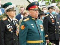 Возложение цветов к памятникам и мемориалам участникам Великой Отечественной войны